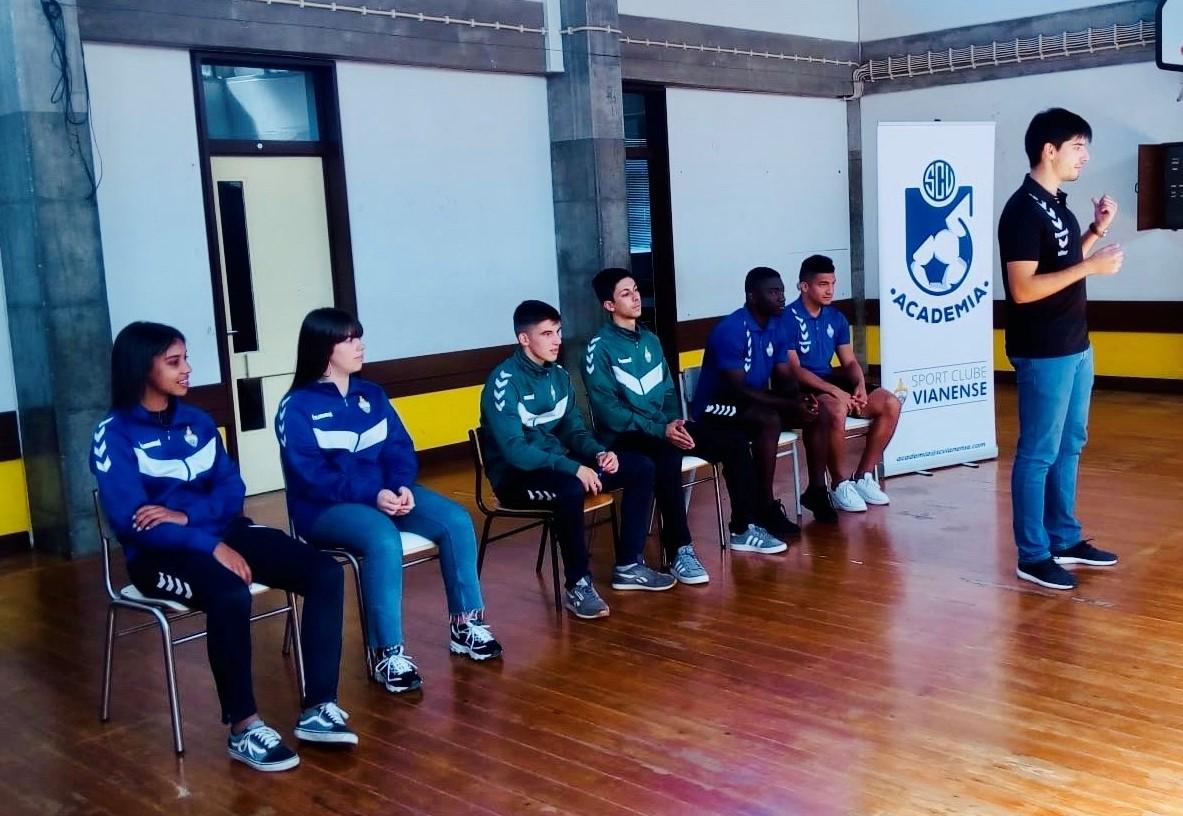 Alunos do 1º Ciclo receberam o Sport Clube Vianense!
